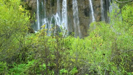 Tilt-up-to-beautiful-waterfall-at-Plitvice-National-Park-in-Croatia