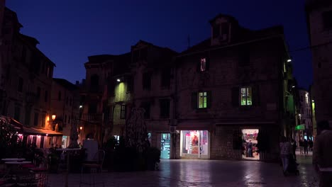 Evening-establishing-shot-of-a-square-in-Split-Croatia
