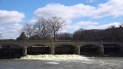 Polluted-water-flows-from-the-Flint-River-through-Flint-Michigan-during-their-water-crisis-2
