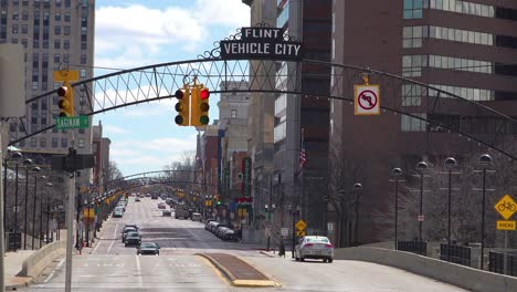 Establishing-shot-of-Flint-Michigan-main-street