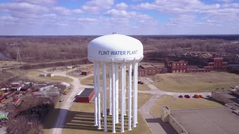 Aerial-over-the-Flint-Michigan-water-tanks-during-the-infamous-Flint-water-crisis-2