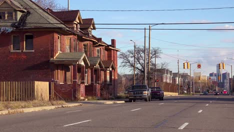 Old-rundown-neighborhood-near-Detroit-Michigan-1
