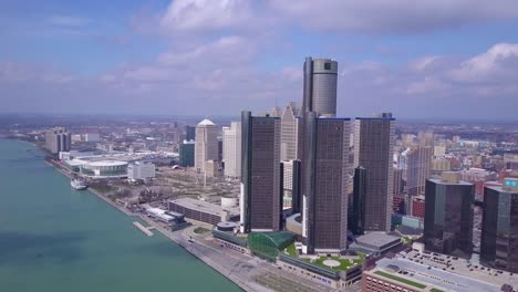 Aerial-shot-of-downtown-Detroit-with-GM-tower-and-Detroit-River-1