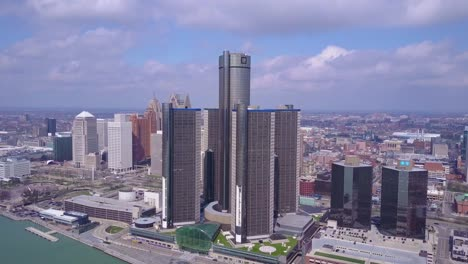 Aerial-shot-of-downtown-Detroit-with-GM-tower-and-Detroit-River-2