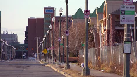Old-abandoned-houses-and-empty-sidewalks-in-a-ghetto-section-of-downtown-Detroit-Michigan