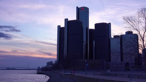 The-GM-tower-at-dusk-along-the-Detroit-River-in-Detroit-Michigan