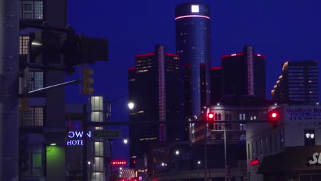 The-city-of-Detroit-Michigan-with-GM-tower-at-night-1