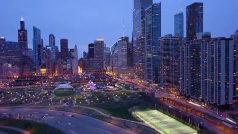 Beautiful-vista-aérea-shots-of-Chicago-Illinois-downtown-city-at-night-2