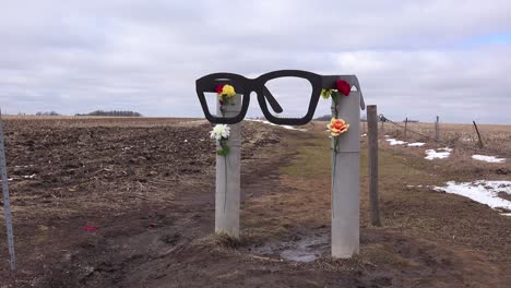 The-Buddy-Holly-Memorial-plane-crash-site-in-Clear-Lake-Iowa