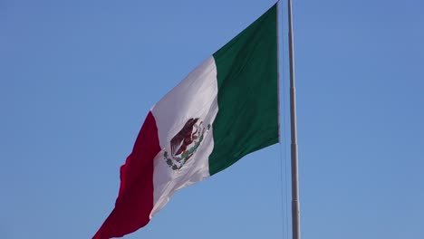The-Mexican-flag-flies-along-the-US-border-in-Tijuana-2