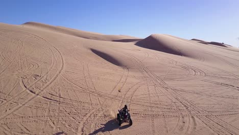 Dune-buggies-and-ATVs-race-across-the-Imperial-Sand-Dunes-in-California-6