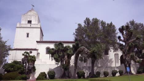 Establishing-shot-of-the-San-Diego-Spanish-Mission