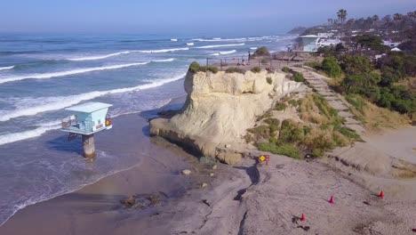 Una-Hermosa-Antena-Sobre-La-Costa-De-California-Al-Norte-De-San-Diego-1