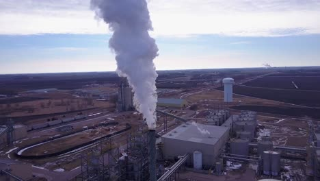 An-vista-aérea-shot-over-an-oil-refinery-spewing-pollution-into-the-air-1