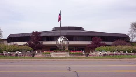 Establishing-shot-of-Amway-corporate-headquarters-in-Grand-Rapids-Michigan