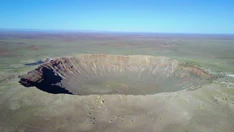 Increíble-Antena-Sobre-El-Cráter-De-Meteoritos-De-Arizona