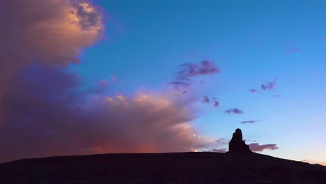 Beautiful-rain-clouds-rolling-above-buttes-near-Monument-Valley-Utah-1