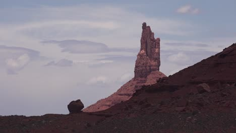 Beautiful-time-lapse-of-mesas-and-buttes-in-Monument-Valley-Utah-1