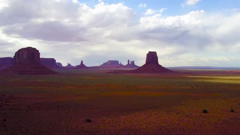 Beautiful-inspiring-aerial-reveals-the-buttes-of-Monument-Valley-Utah-2