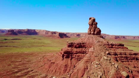 Incredible-aerial-through-the-buttes-and-rock-formations-of-Monument-Valley-Utah-1