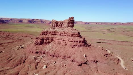 Aerial-around-the-buttes-and-rock-formations-of-Monument-Valley-Utah