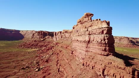 Aerial-around-the-buttes-and-rock-formations-of-Monument-Valley-Utah-5