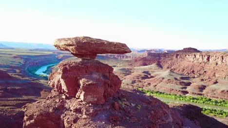 A-remarkable-aerial-over-the-Mexican-Hat-rock-formation-in-southern-Utah