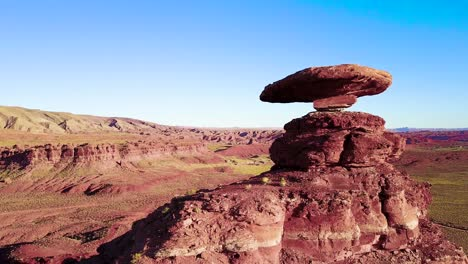 A-remarkable-aerial-over-the-Mexican-Hat-rock-formation-in-southern-Utah-5