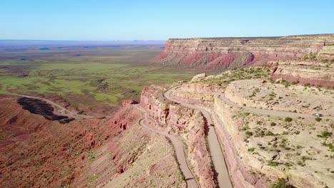 Cars-travel-on-the-dangerous-mountain-road-of-Moki-Dugway-New-Mexico-desert-Southwest