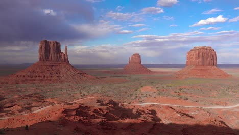 Establishing-shot-of-Monument-Valley-Navajo-Tribal-Park-Utah-2