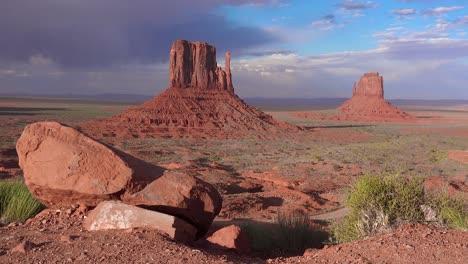 Establishing-shot-of-Monument-Valley-Navajo-Tribal-Park-Utah-3