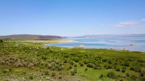 An-aerial-over-Mono-Lake-in-the-Sierra-Nevada-mountains-of-California