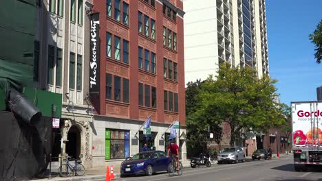 Establishing-shot-of-the-Second-City-comedy-club-in-Chicago-Illinois