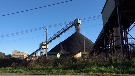 Establishing-shot-of-a-coal-mine-in-West-Virginia