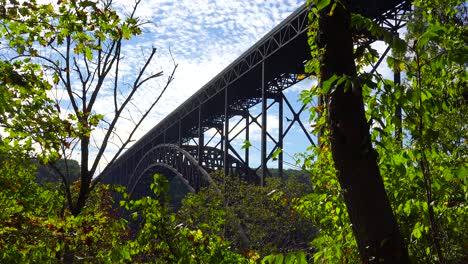 Plano-De-Establecimiento-De-ángulo-Bajo-Del-Nuevo-Puente-Río-Gorge-En-West-Virginia