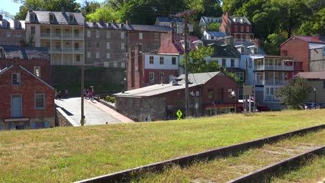 Establishing-shot-of-Harpers-Ferry-West-Virginia-4