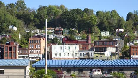 Establecimiento-De-Tiro-De-Una-Antigua-Ciudad-De-Carbón-En-La-Zona-Rural-De-Virginia-Occidental