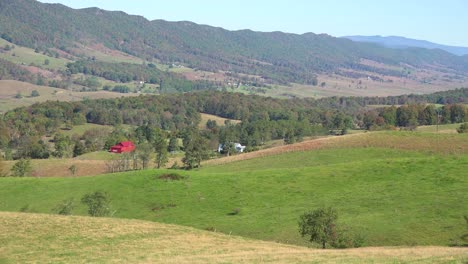 Farms-and-cabins-line-a-valley-in-the-Blue-Ridge-Mountains-of-West-Virginia