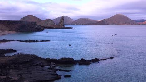 Establishing-shot-of-the-Galapagos-Islands-in-Ecuador-with-Pinnacle-Rock-in-distance