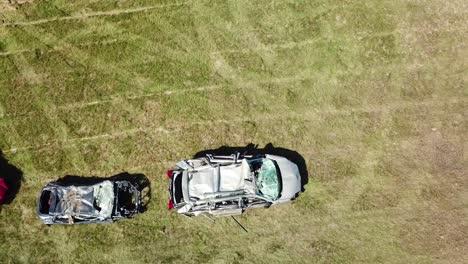 Una-Antena-Sobre-Un-Círculo-De-Autos-Aplastados-En-Un-Gran-Campo-Cerca-De-Portland-Maine-1