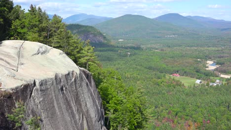 An-establishing-shot-of-the-White-Mountains-in-New-Hampshire