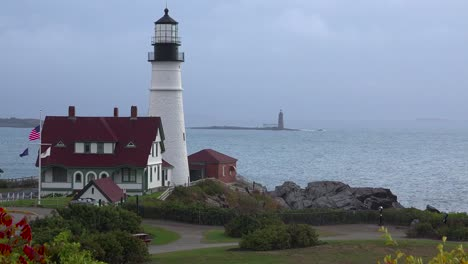 Establishing-shot-of-the-Portland-Head-Lighthouse-in-Portland-Maine