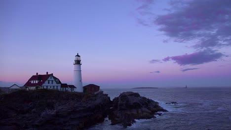 Establishing-shot-of-the-Portland-Head-Lighthouse-in-Portland-Maine-at-dusk