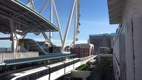 A-monorail-travels-through-the-Las-Vegas-strip-by-day