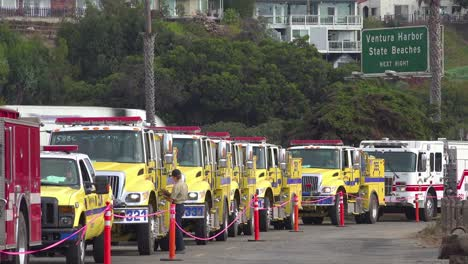 Firefighters-in-fire-trucks-lining-up-for-duty-at-a-staging-area-during-the-Thomas-Fire-in-Ventura-California-in-2017-5