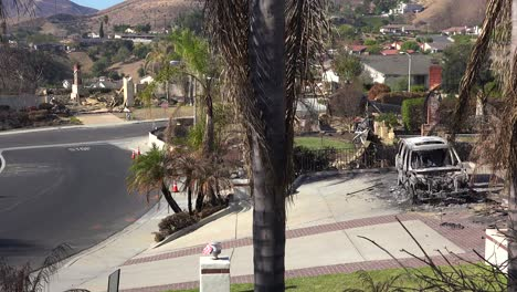 A-neighborhood-in-Ventura-California-devastated-by-the-Thomas-Fire-in-2017-1