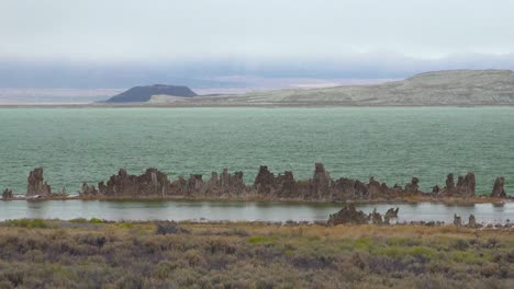 Calcium-formations-called-tufa-emerge-from-Mono-Lake-California-on-a-stormy-day-in-the-Sierras-1