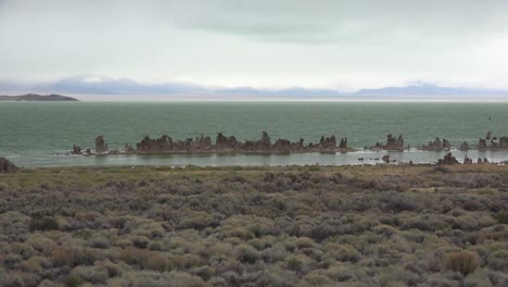 Calcium-formations-called-tufa-emerge-from-Mono-Lake-California-on-a-stormy-day-in-the-Sierras-2