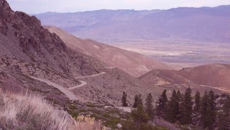 Establishing-shot-of-the-Owens-Valley-in-the-Eastern-Sierra-Nevada-mountains-of-California