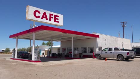 Establishing-shot-of-a-lonely-desert-gas-station-and-hotel-motel-cafe-in-the-Mojave-Desert-2